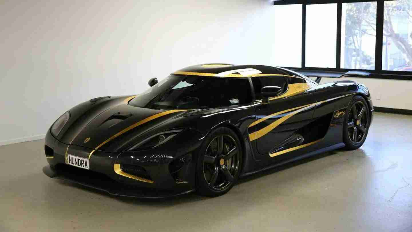 What you see before you is a Koenigsegg Agera S Hundra, the 100th Agera S to have rolled off the assembly lines eight years ago. A customer from Hong Kong ordered it covered in genuine 24-carate gold, ensuring it was one of a kind in the world.