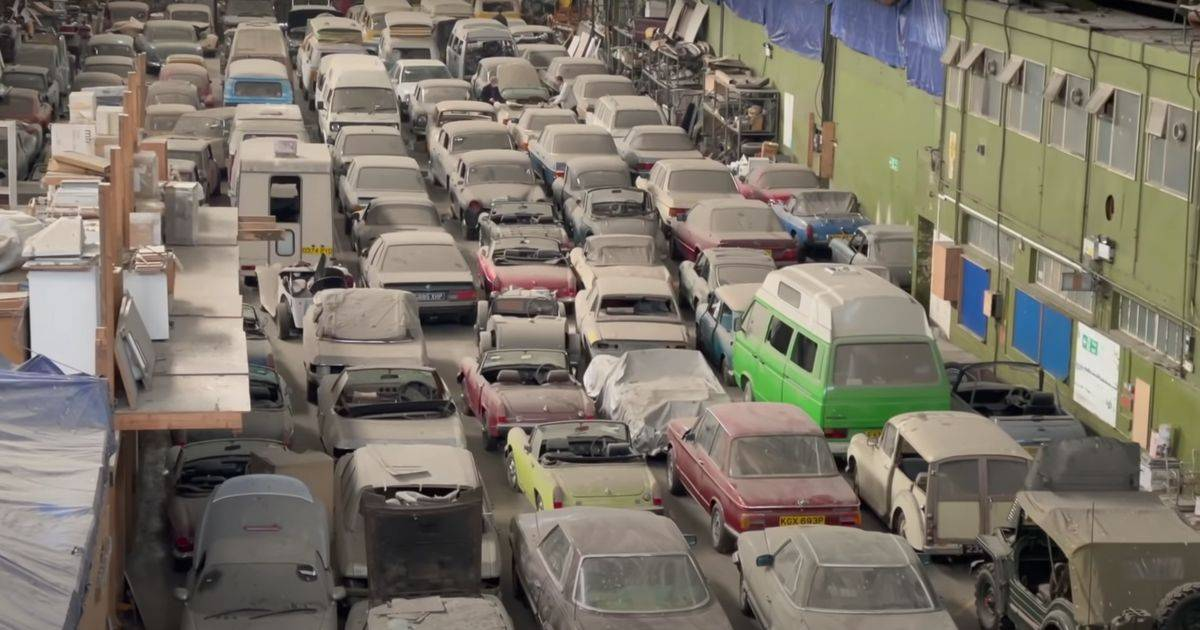 Huge 'barnfind' in London amazes car enthusiasts   Car0