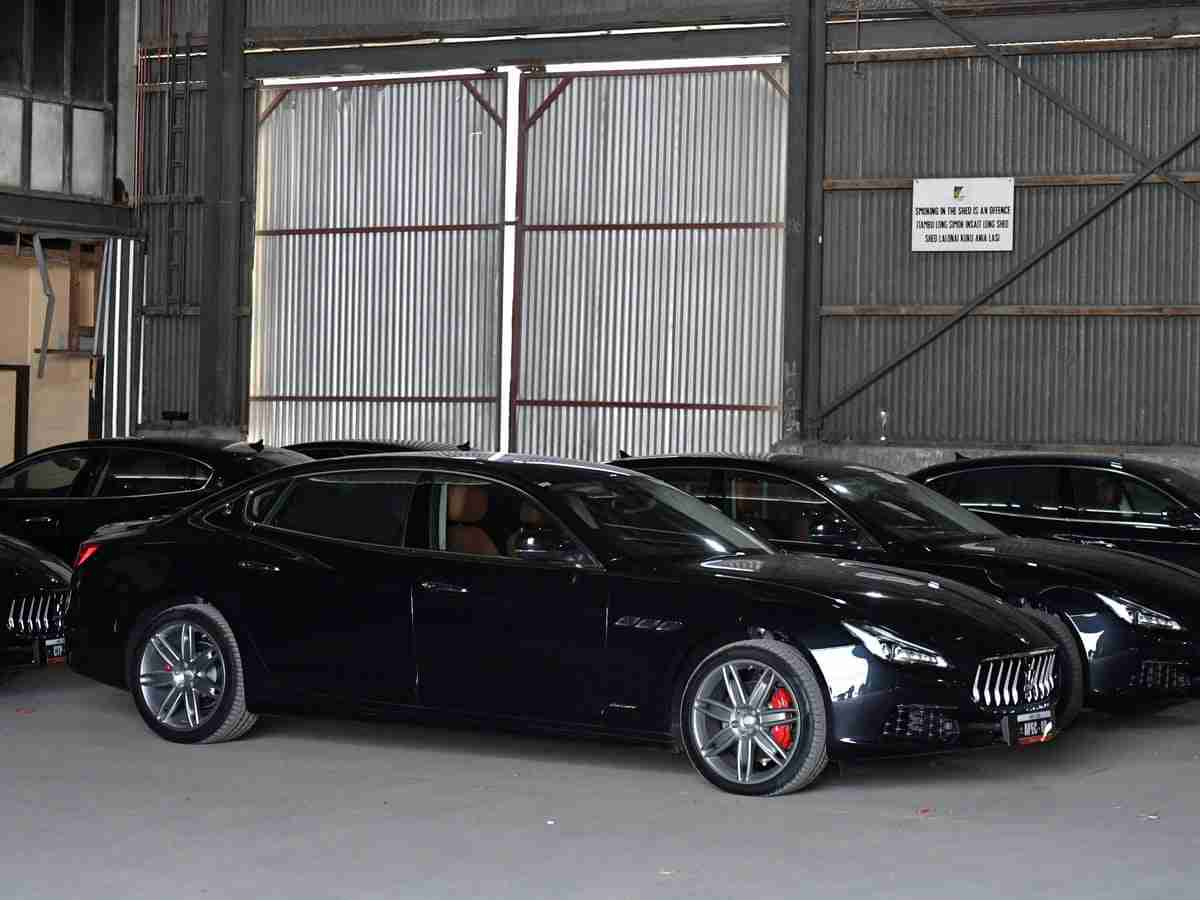John Pundari, the Minister of Finance of Papua New Guinea, has announced a flash sale of Maserati Quattroporte sedans the government of the country acquired in 2018. The original decision stirred up a squall of hatred, forcing the government to admit that it was 'a terrible mistake.'